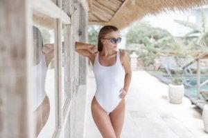 Återupptäck gamla baddräktstrender inför sommaren