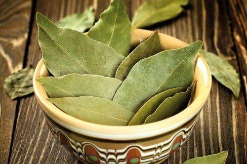Lagerblad för att naturligt aromatisera hemmet