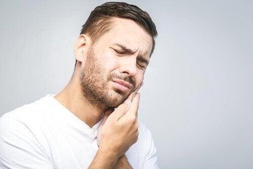 Effektiva naturliga botemedel mot tandvärk