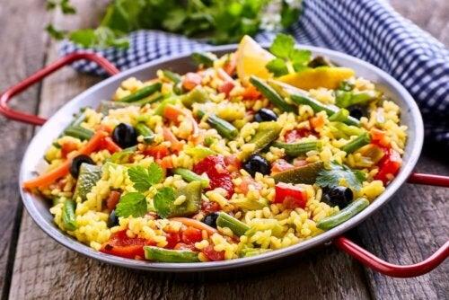 Lär dig laga kalorifattig vegetarisk paella