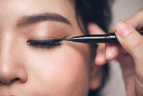 5 vanliga misstag när man ska sminka små ögon