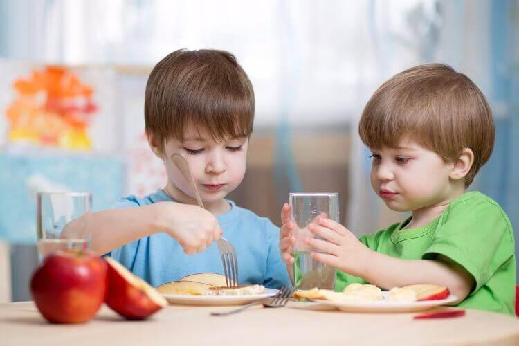 5 goda och hälsosamma frukostar för barn