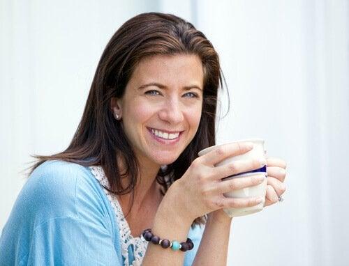 I 40-årsåldern minskar östrogenet och progesteronet