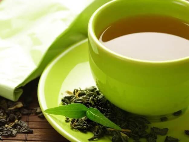 Grön kopp te.