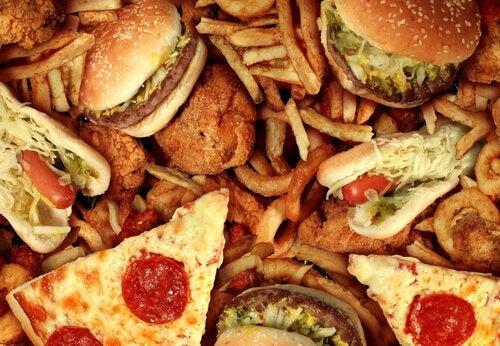 Hamburgare och pizza