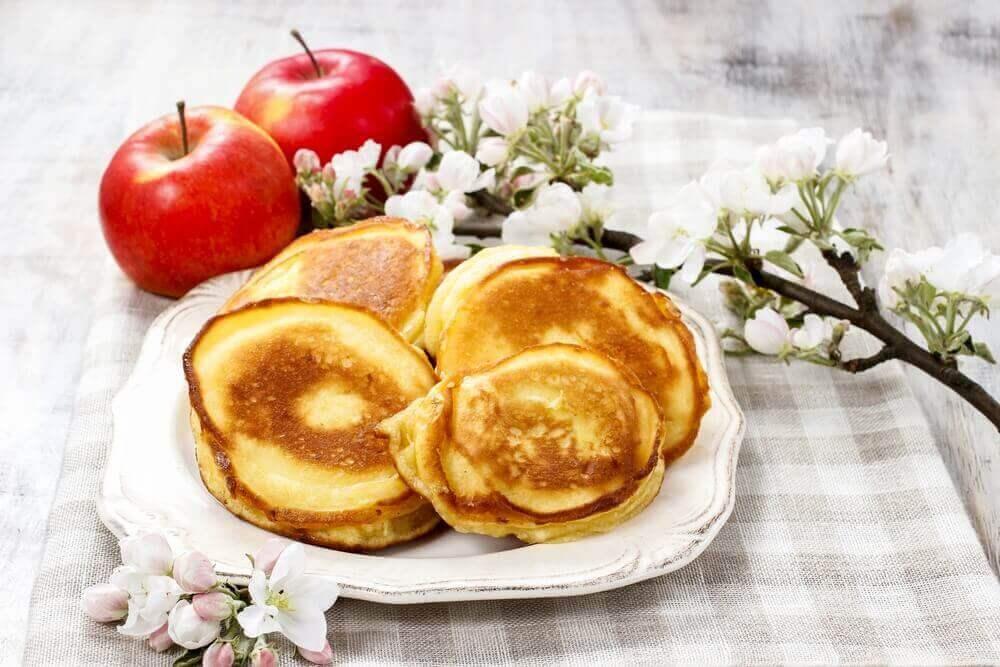 Pannkaka med äpplen