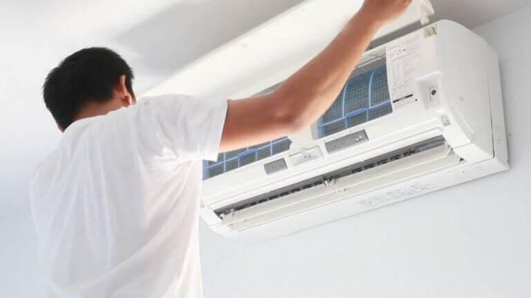 Underhåll av luftkonditionering.