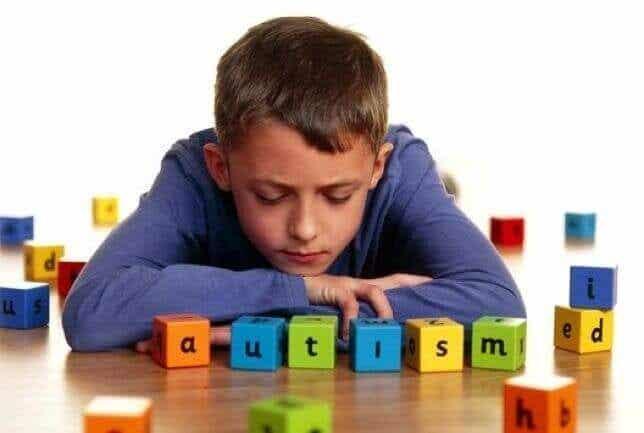 5 vanliga tecken på autism som är bra att känna till