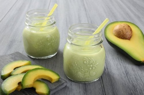 Energigivande smoothies med avokado