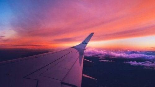 Hur man kan bli av med flygrädsla: 5 grundläggande tips