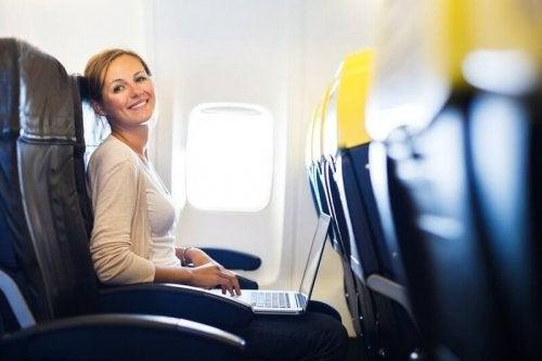 Förbered dig på normala planetrörelser för att få bukt med din flygrädsla