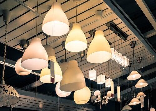 Använd inte för starkt ljus i lamporna