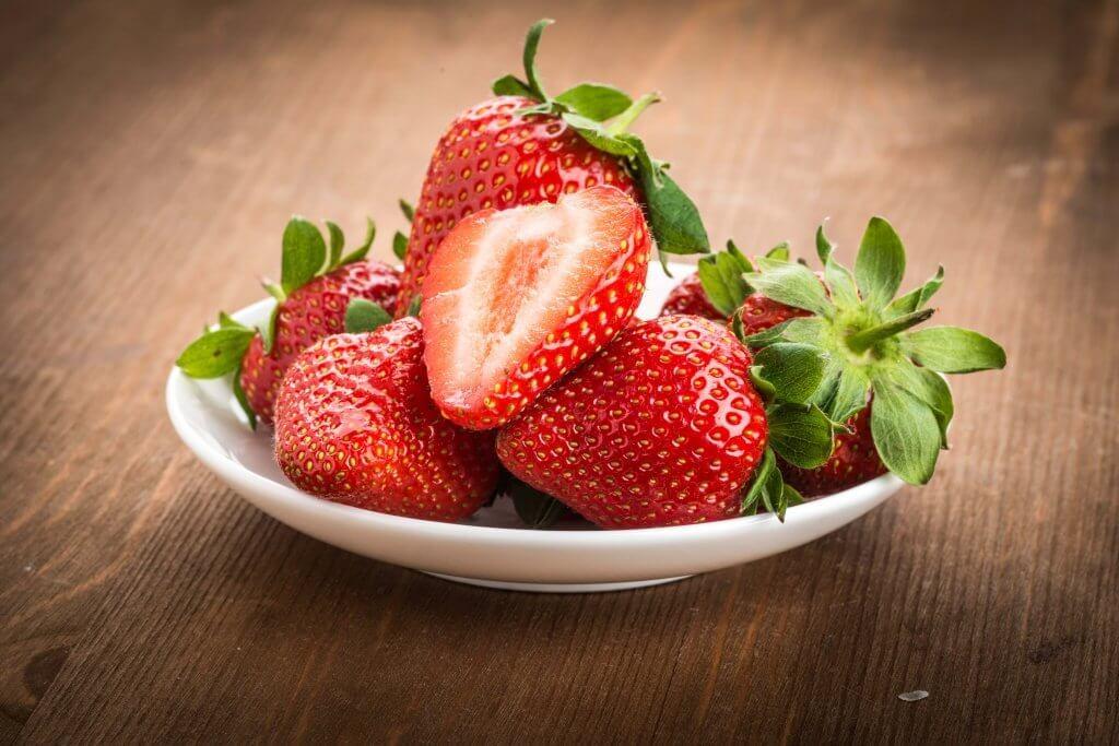 få friskare hår med jordgubbar