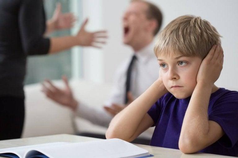 5 konsekvenser för barn när föräldrarna grälar