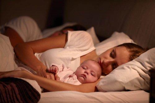 bebisar sover moder