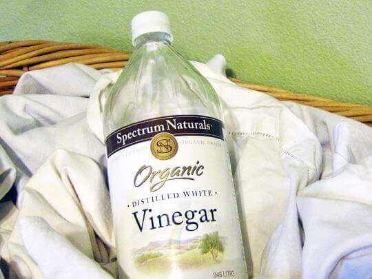 Ta bort deodorantfläckar med vinäger