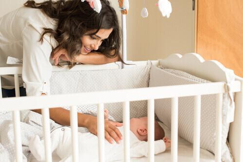 din nyfödda säng