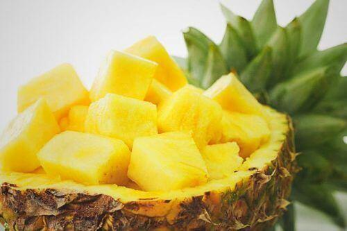 Ananas är ett välkänt naturligt diuretikum
