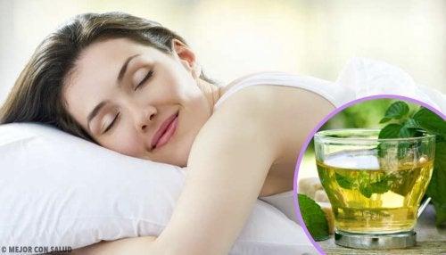 Fel sovposition får huden att åldras