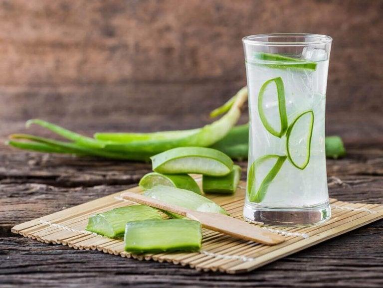 Förbättra långsam matsmältning med aloe vera