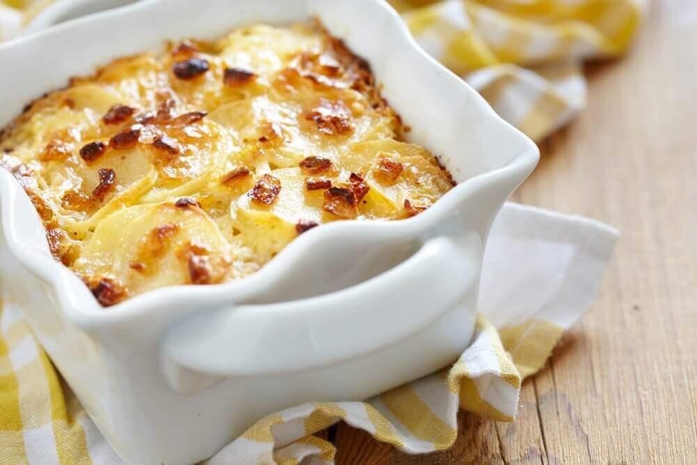 Hur du gör en läcker ost- och potatisgratäng