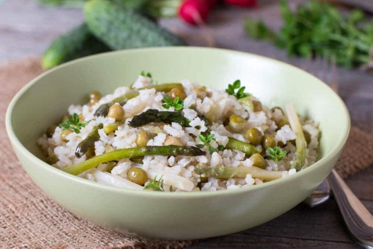 Kolesterolvänligt ris med grönsaker och chiafrön