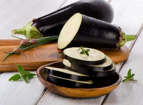 Prova göra auberginebollar med spenat