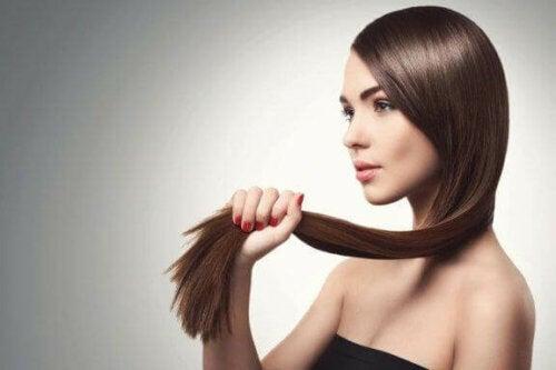 5 naturliga metoder som kan stärka tunt hår