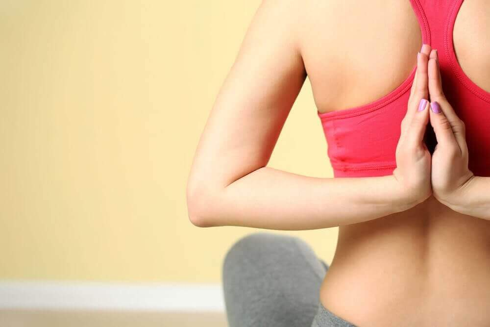 Regelbunden yoga - här är hälsofördelarna!
