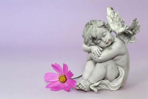 Ängel med blomma