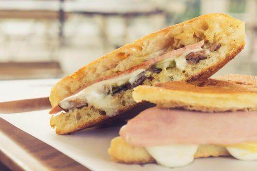 Prova det här läckra, kubanska smörgåsreceptet