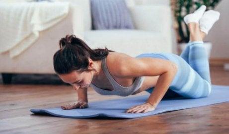 ner i vikt utan träning
