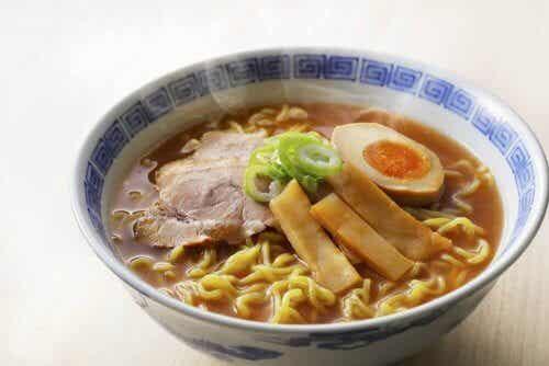 Ramen med kyckling - 3 recept på japansk nudelsoppa