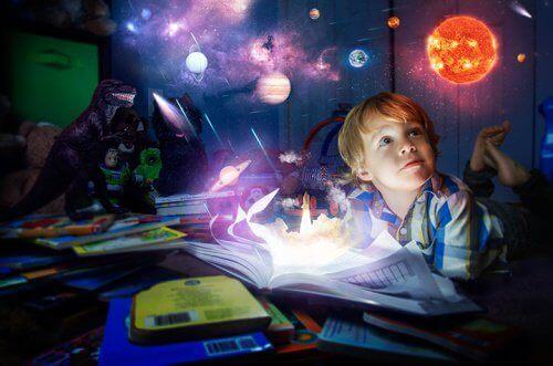 Pojke som läser böcker.