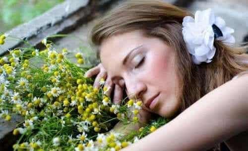 Åtta aromatiska oljor för att sova bättre