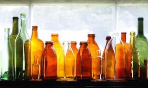 Dekorera din trädgård med återvunna glasflaskor