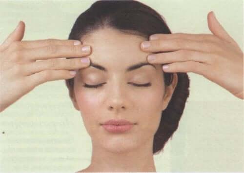 Bli kvitt huvudvärken med en massage