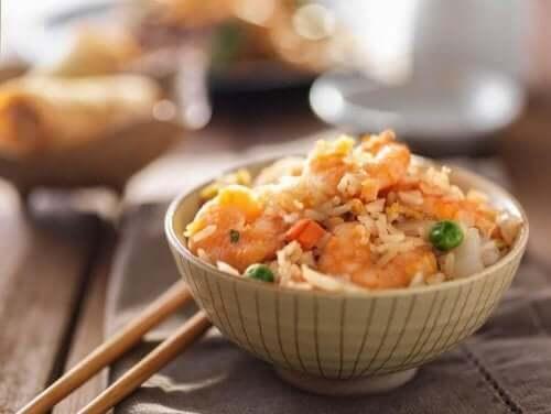 Lär dig vårt enkla recept på stekt ris