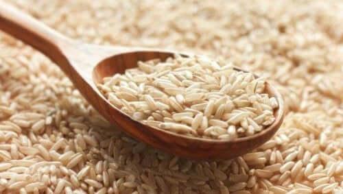 Sked med ris.