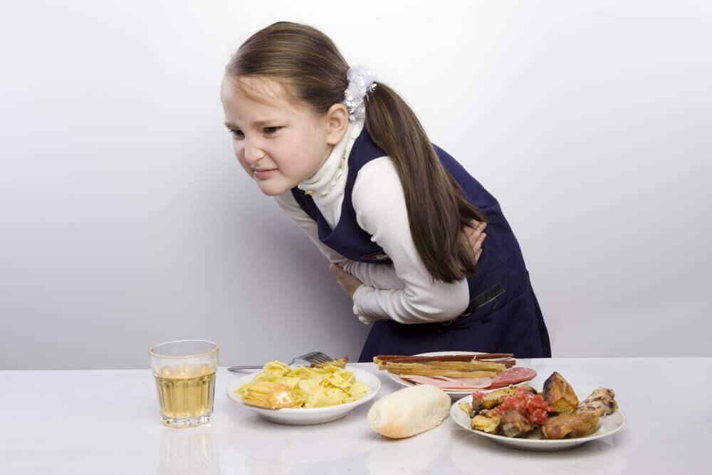 Barn med magont