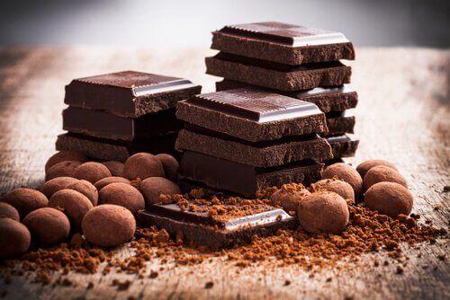 Bitar av choklad