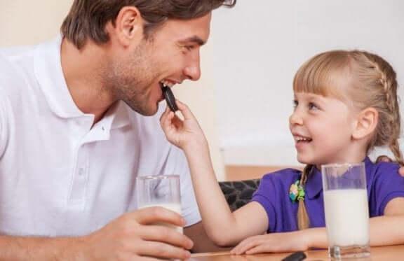 Dotter bjuder pappa på den bästa chokladpajen
