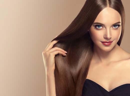 Så får du lent och skinande hår med några enkla tips