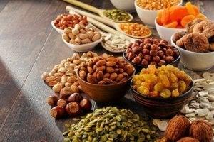 Nötter och frukt
