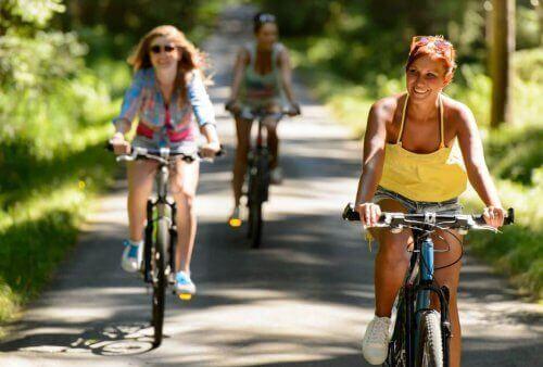Olika typer av rolig och effektiv utomhusträning