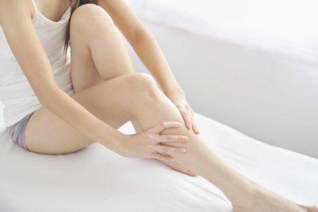 Stickningar i benen