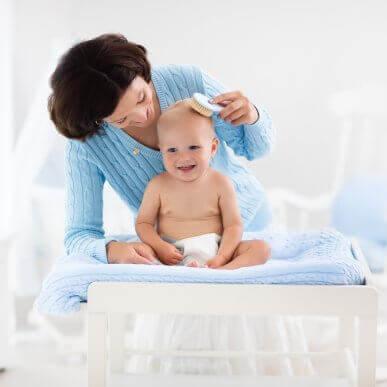 Fem tips för att ta hand om din bebis hår