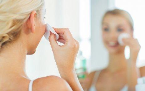 Varma omslag för att rensa porerna