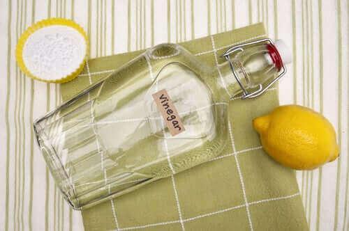 Vitvinsvinäger eller bikarbonat