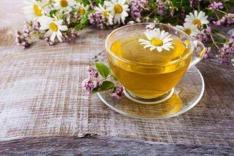 Drick te för att mildra symptomen på magkatarr